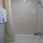 Hot & Cold, Shower & Bathtub facilities